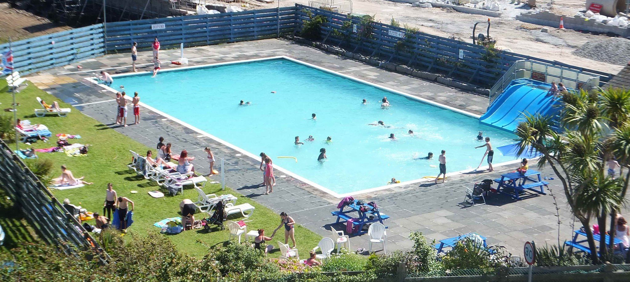 Outdoor swimming pool hayle town council - Outdoor swimming pools north west ...